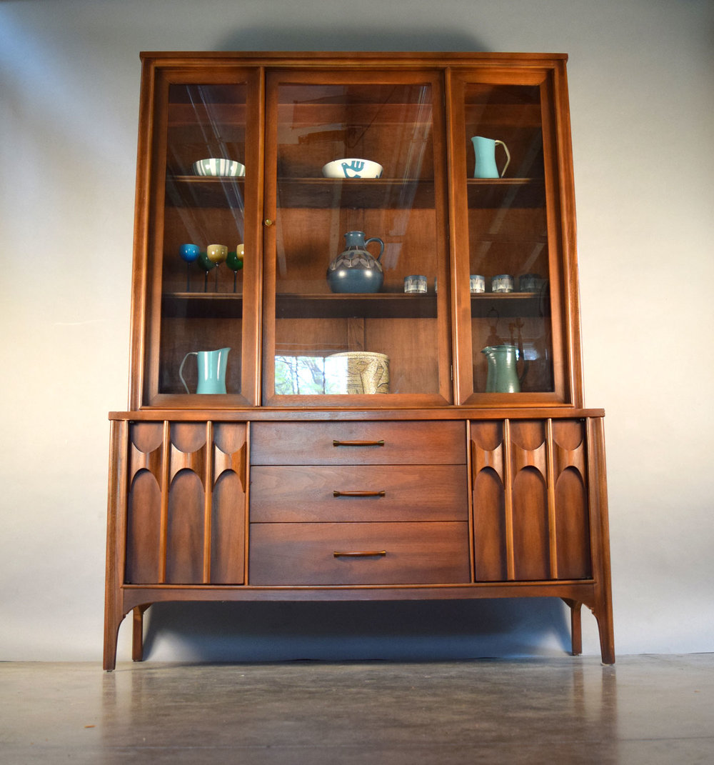 Kent Coffey U0027Perspectau0027 Credenza / China Cabinet   SOLD
