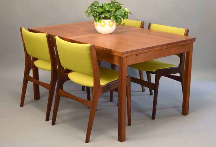 Danish Teak Dining Table By Ansager Mobler With PullOut Leaves - Danish modern dining table with leaves