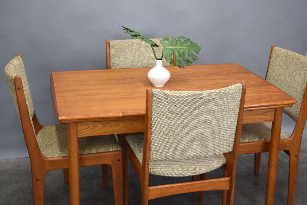 table_settweed.jpg