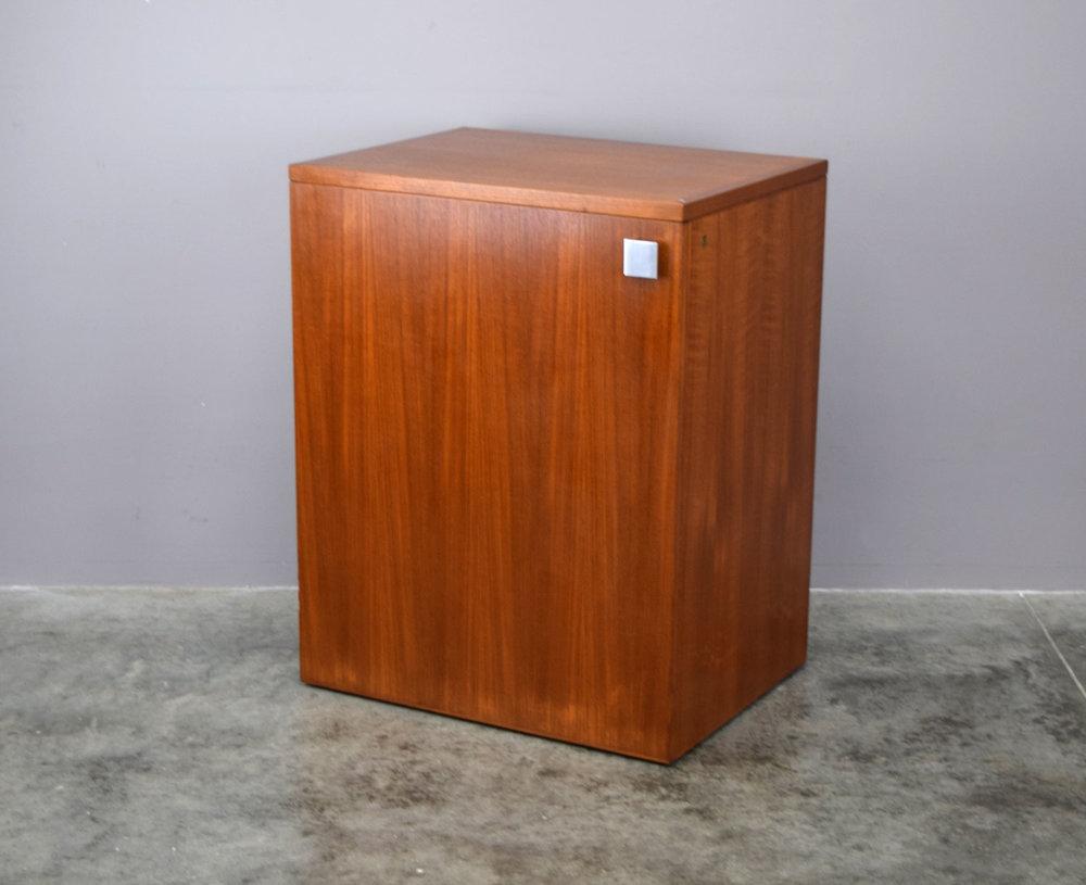 bar_cube.jpg