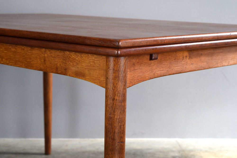 table_close.jpg