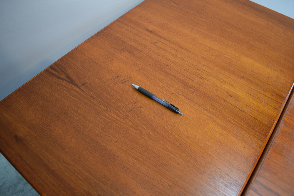table_leafscratch.jpg