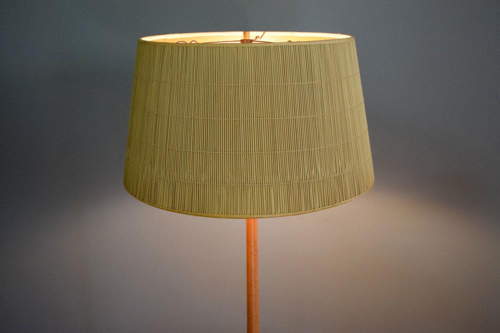 lamp_shadelit.jpg