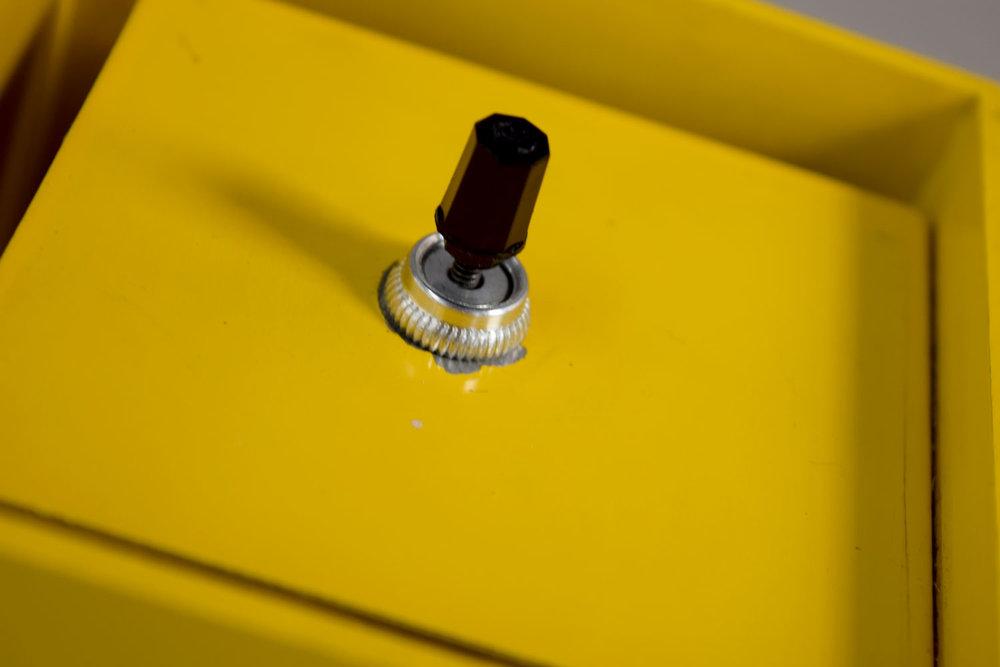 yellow_switch.jpg