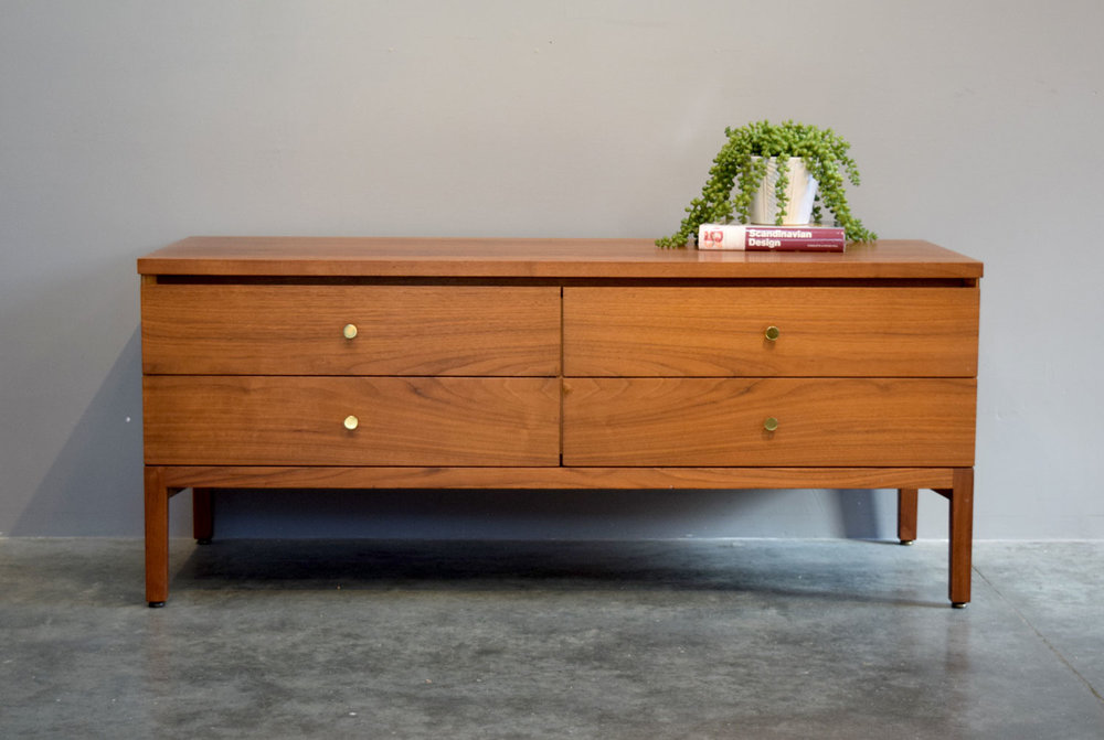 Calvin Chest of Drawers