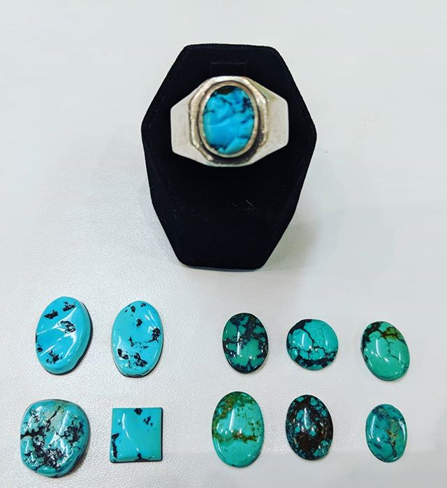 Helping our customers find the perfect #turquoise cabochon- bring that beautiful vintage ring back to life! #greywolfgallery #jewelryrepair