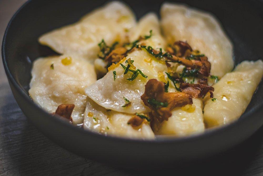 bowl-chinese-food-close-up-688803.jpg