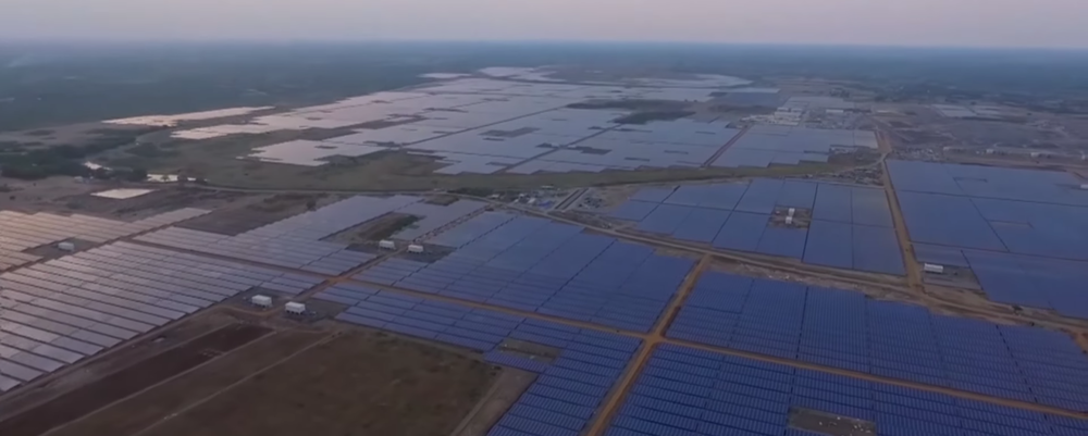 The world's largest solar power plant in Kamuthi, TN, India. Source: Electrek.co