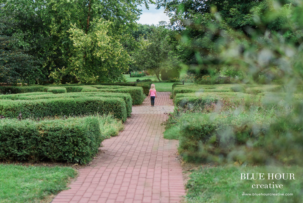 Fun Loving Family Portrait Session at McCrory Gardens   Brookings ...