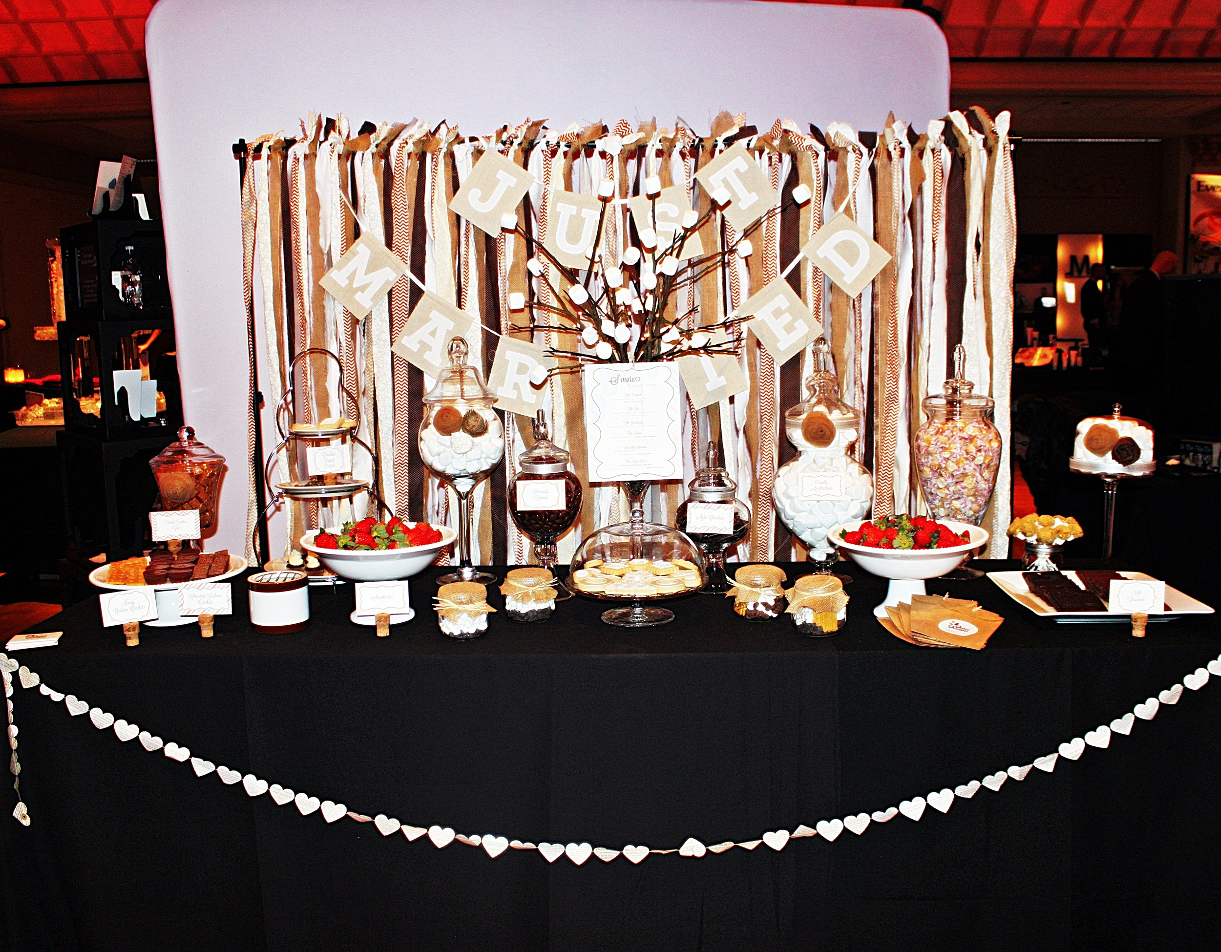 Dulce Designs S'mores buffet