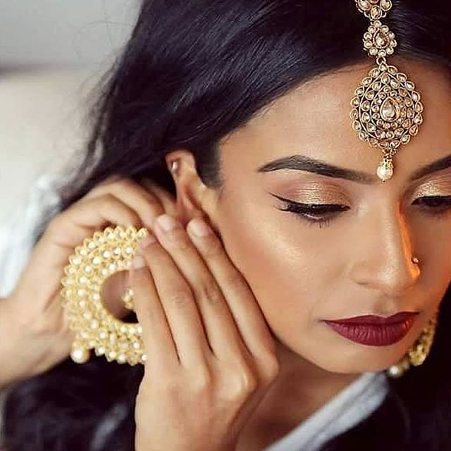 #Repost @gatherandstitch_beauty (@get_repost) ・・・ Still can't get over these amazing photos from our shoot with Hema as Part 2 of The Modern Bride Series 😍  HMUA: @gatherandstitch_beauty Photography: @helanisarathkumara Model: Hema Saree: @sareesinstyle Jewellery: @lamyrajewels