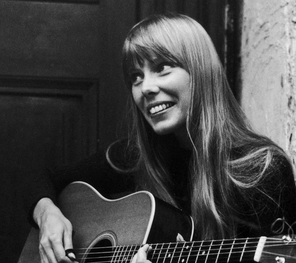 Joni Mitchell immigrated from Canada in 1965