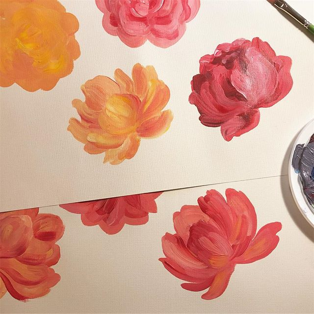 Sunday's spring as heck weather got me in a flower painting mood 🌸🌼 where will they end up hmmm . . #illustration #painting #floral #flowers #floralillustration #art #wip #process