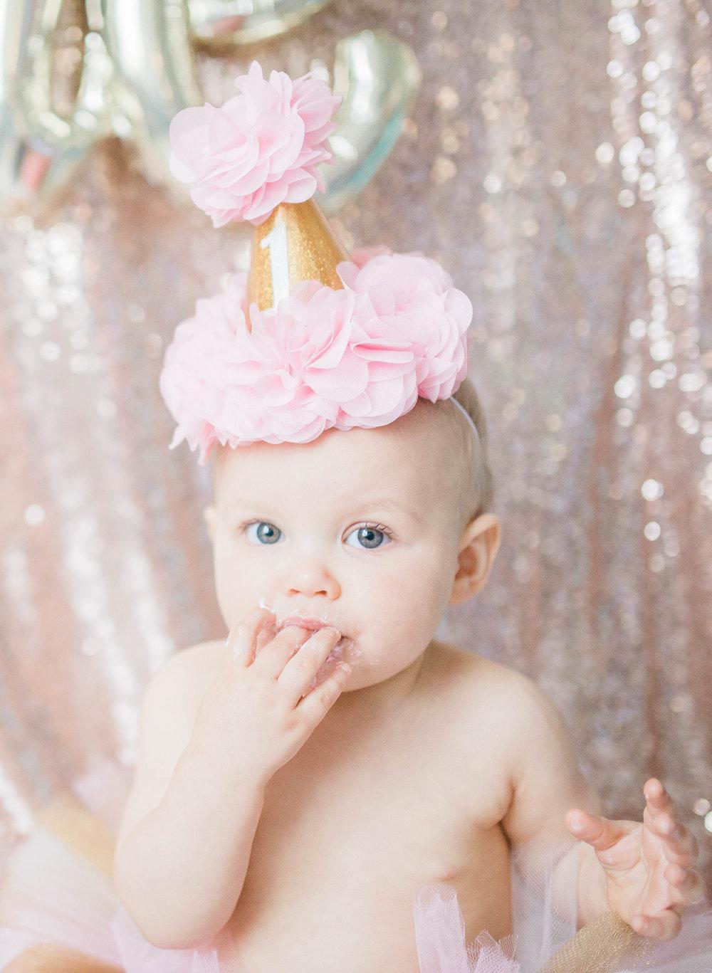 Indianapolis, IN Maternity & Newborn Baby Milestone Photographer