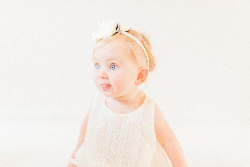 Maternity and Newborn Milestone Photographer in Noblesville, IN