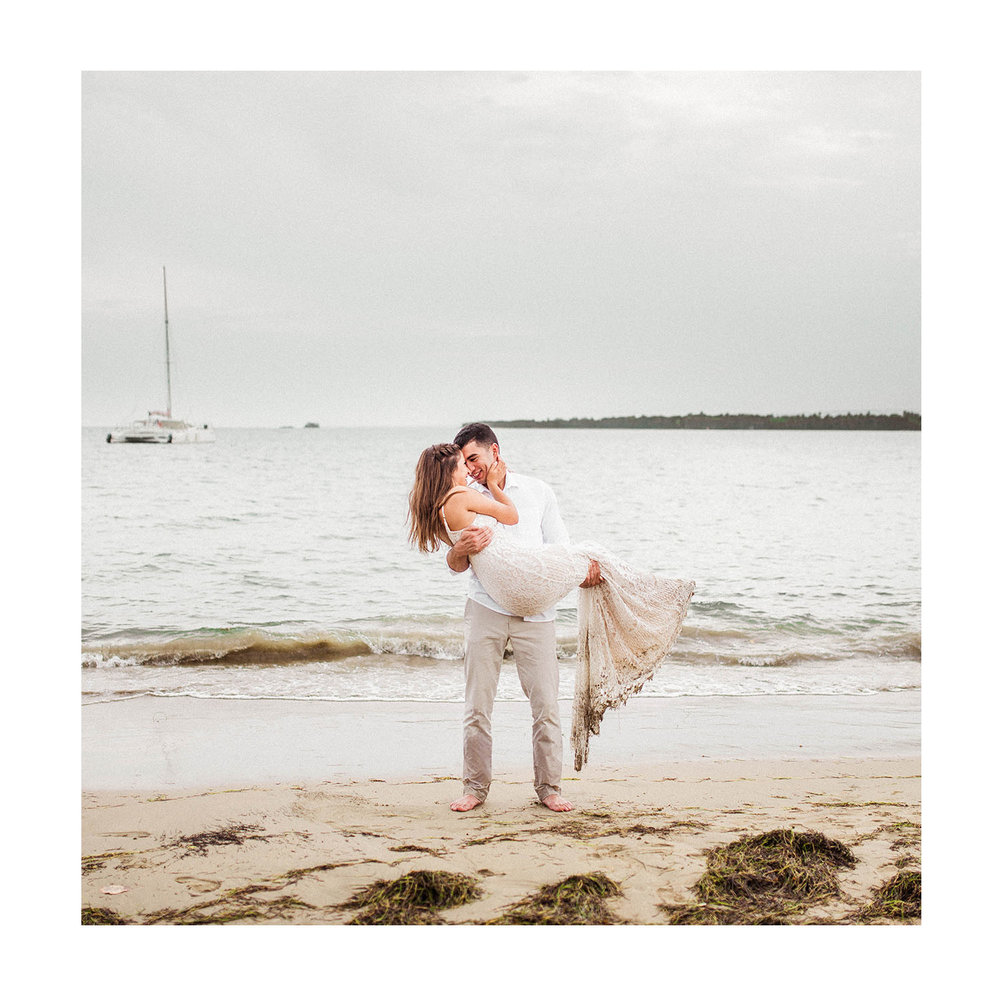 Indianapolis & Destination Wedding Photographer based in Carmel IN