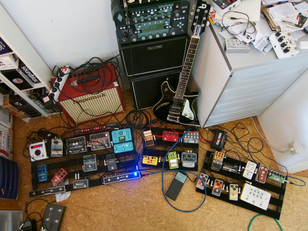 pedalboard_kemper_kpa_duesenberg_double_cat_ehx_superego_source_audio.jpg