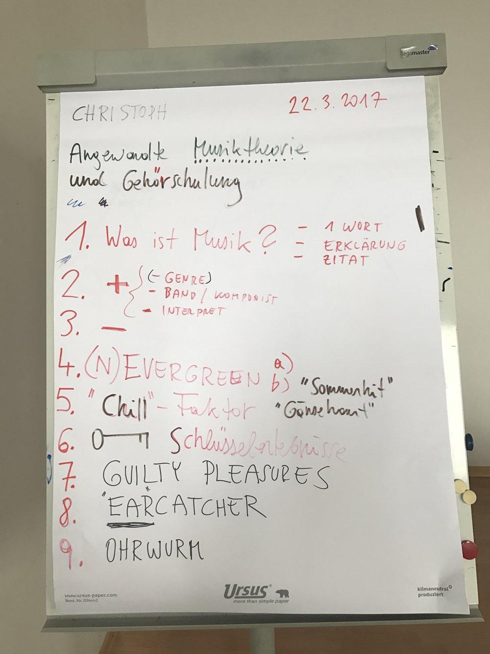 die_suche_nach_ordnung_in_der_musik_-_christoph-gruber-flipchart_01.JPG