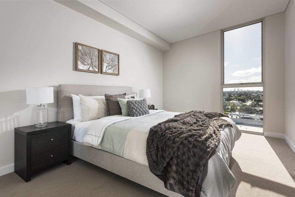 Momentum, Bedroom View