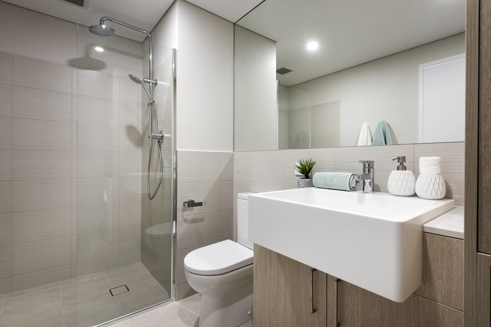 Momentum, Bathroom