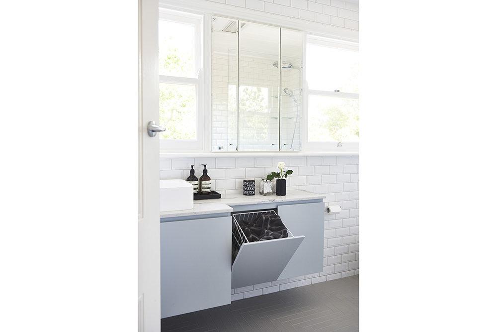 Killara-Familybathroom5-by-LynneBradleyInteriors.jpg