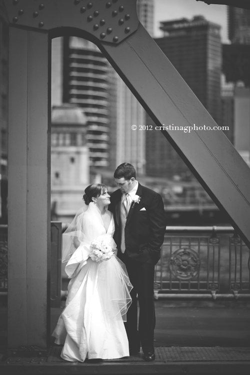 La_Salle_Bridge_Chicago_Wedding_Pictures2a.jpeg
