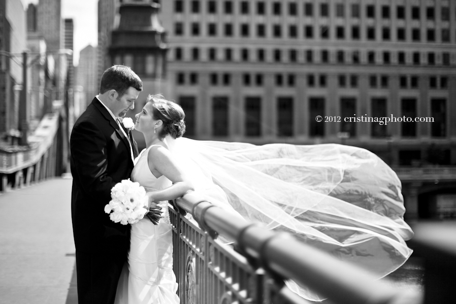 La_Salle_Bridge_Chicago_Wedding_Pictures8.jpeg