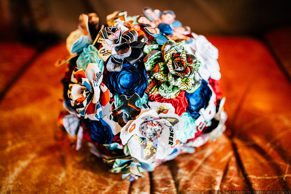 007-creative-modern-wedding-bouquet-by-to-hold-and-to-have-modern-heirloom.jpg