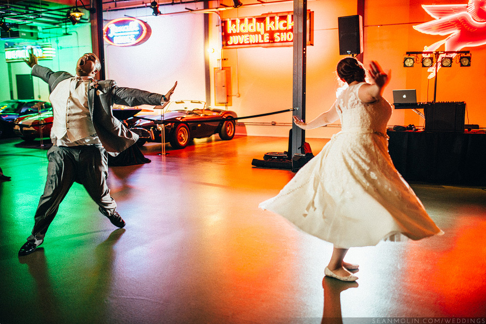 060-funny-first-dance-chicago-bride-groom-wedding-reception.jpg