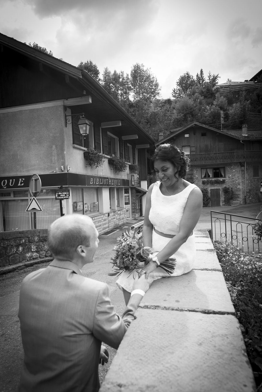 Morzine wedding town centre shoot