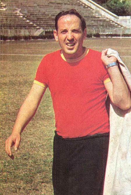 Osvaldo Zubeldía  at training
