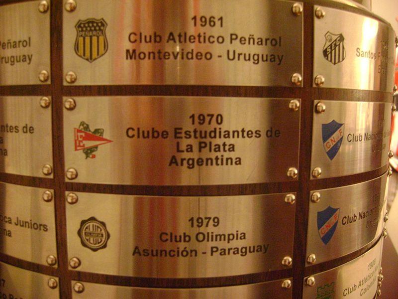 Copa Libertadores (5): 1968, 1969, 1970, 2009....2020.