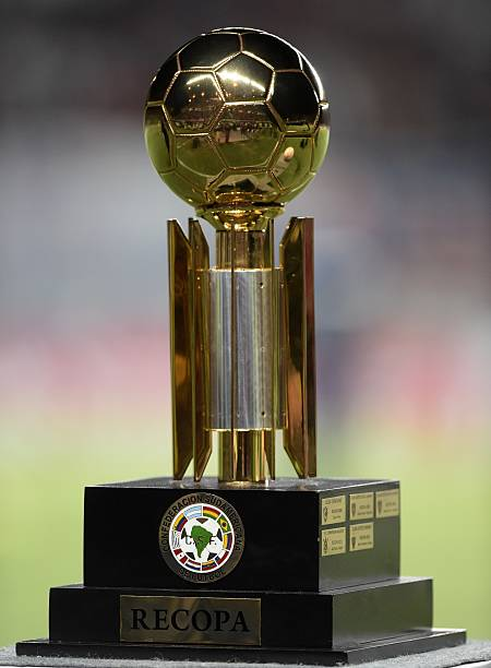 The Recopa trophy is now Bastardo's!