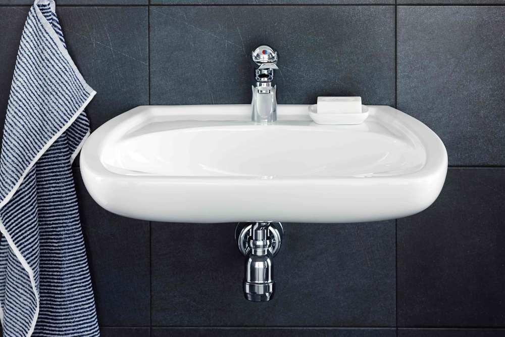 2522-ifo-care-wash-basin-showroom1.jpg