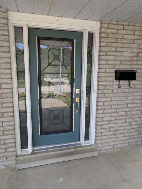 townbridge-glass-door-insert-installtion-barrie-on