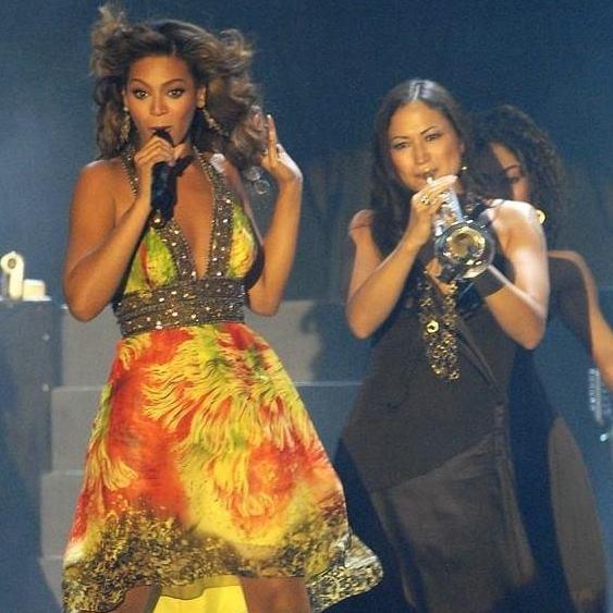 Kiku with Queen Bey(oncé)!Photo: Kiku Collins