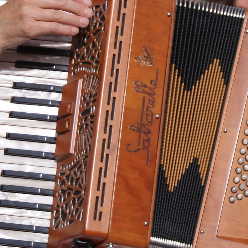 accordian_thumbnail.jpg