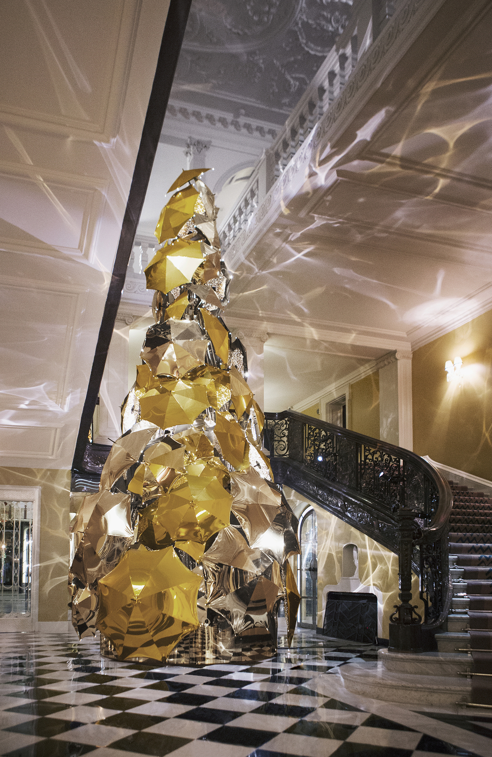 Claridge's Burberry Christmas tree