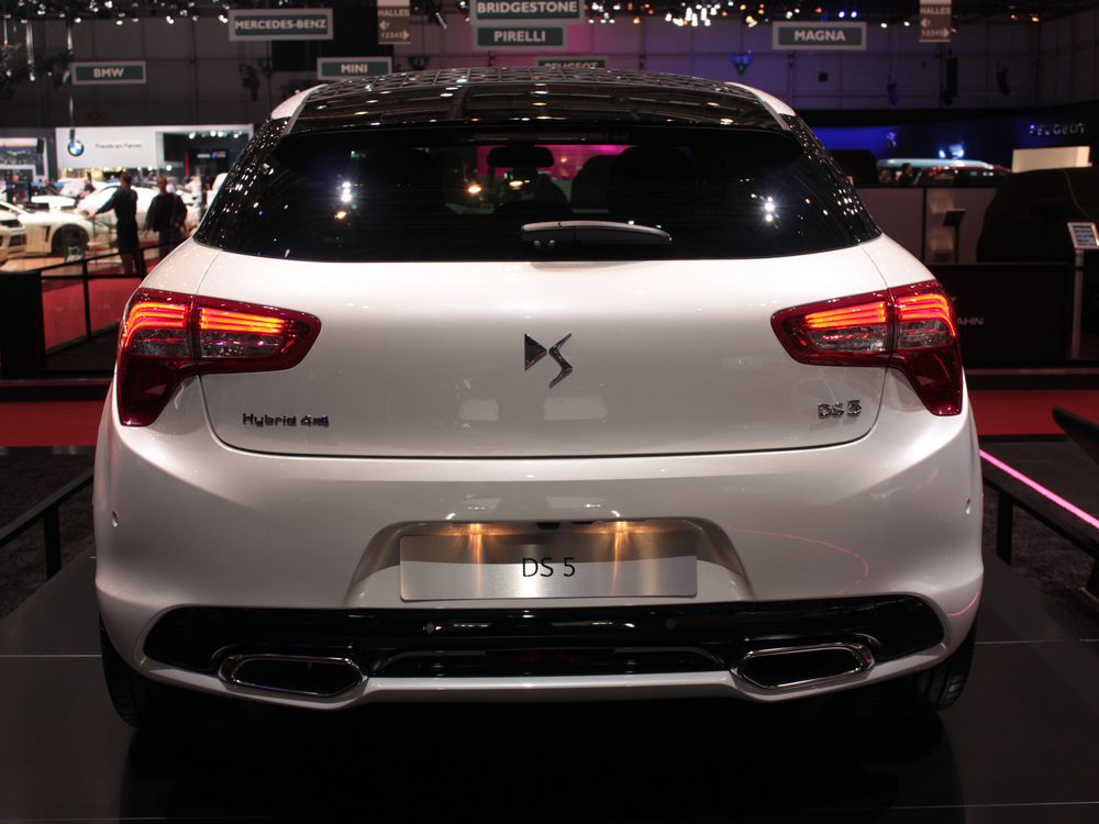 Geneva-DS-5-rear.jpg