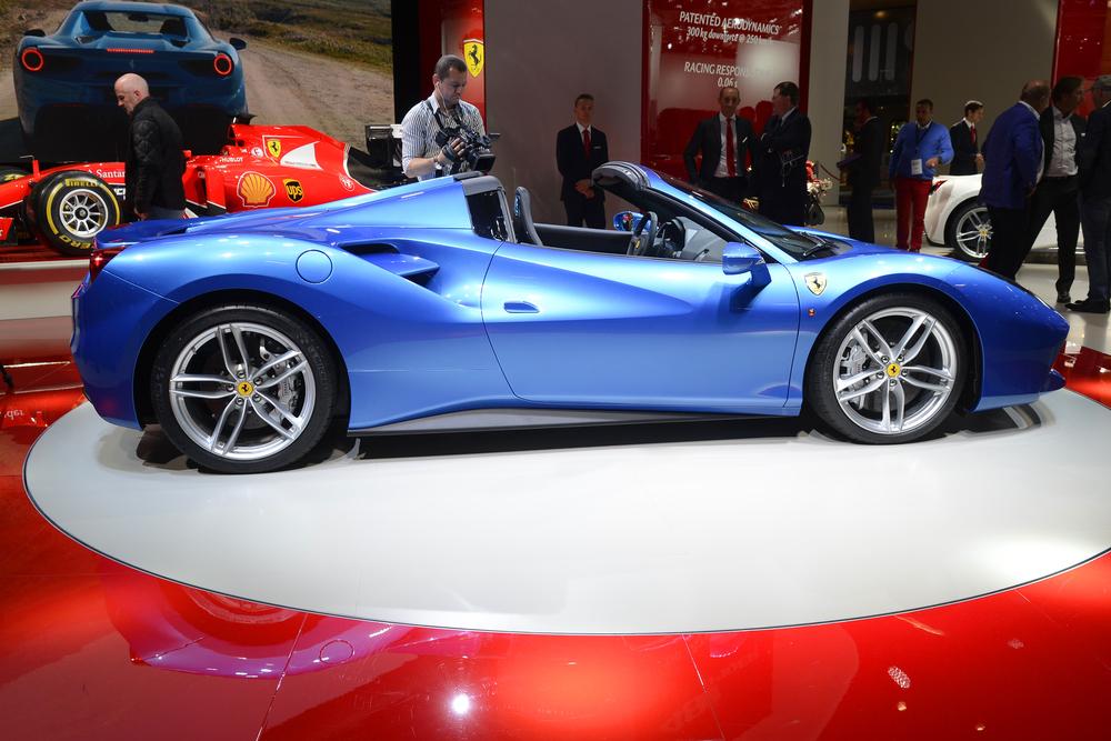 Ferrari 488 Spider debuts in Frankfurt