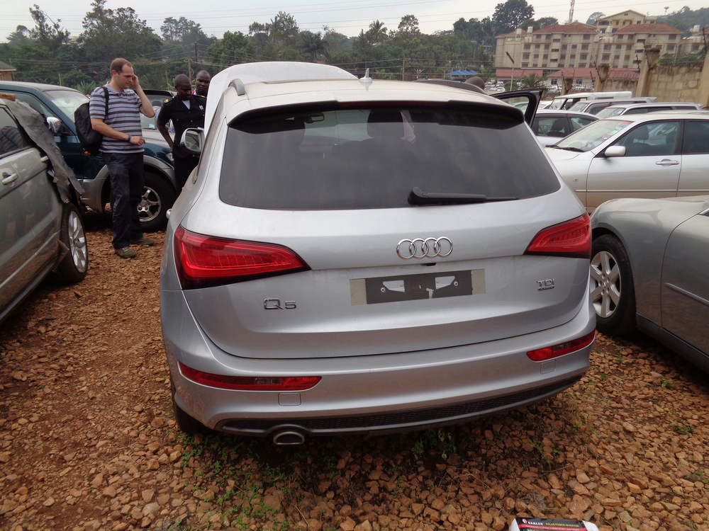 London to Uganda car-smuggling operation dismantled