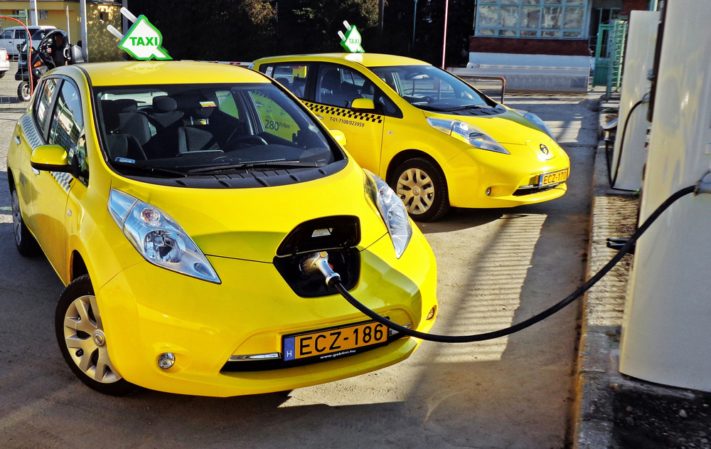 Nissan's European Taxi Tally Tops 500