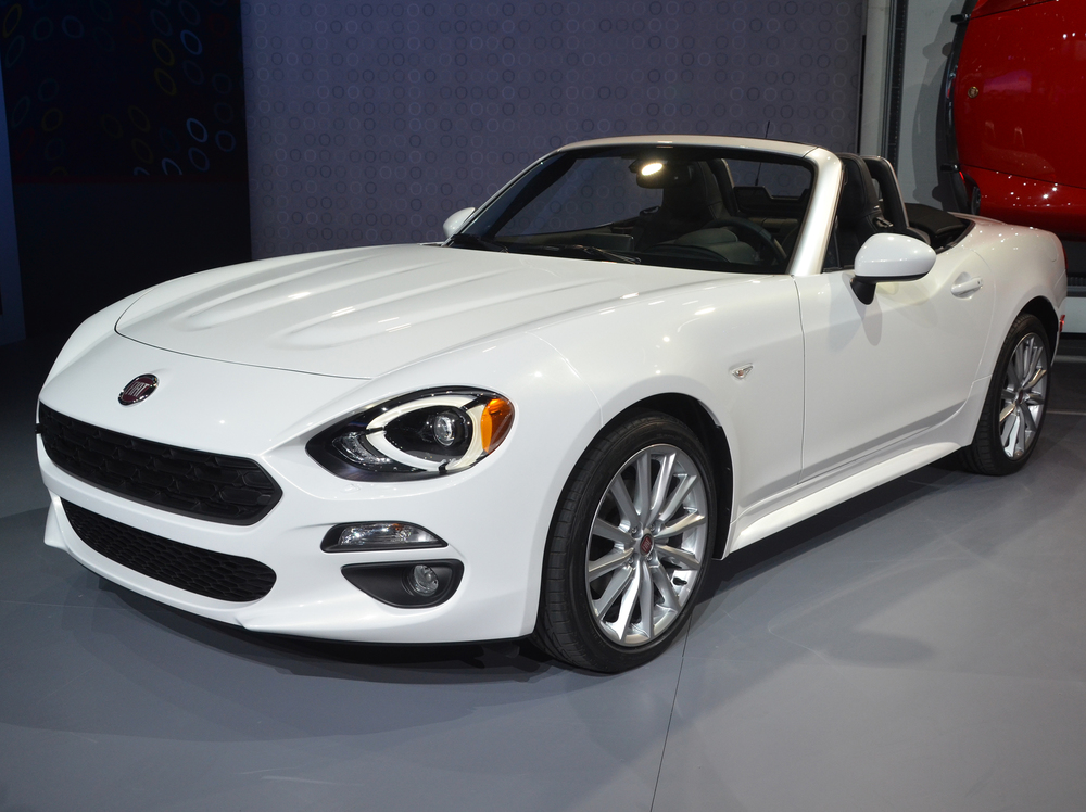 Fiat reveals new 124 Spider at Los Angels Auto Show