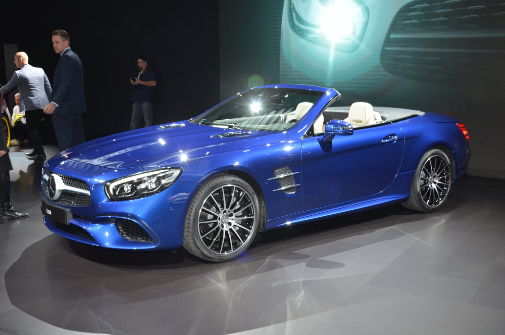 Facelifted Mercedes SL revealed in LA