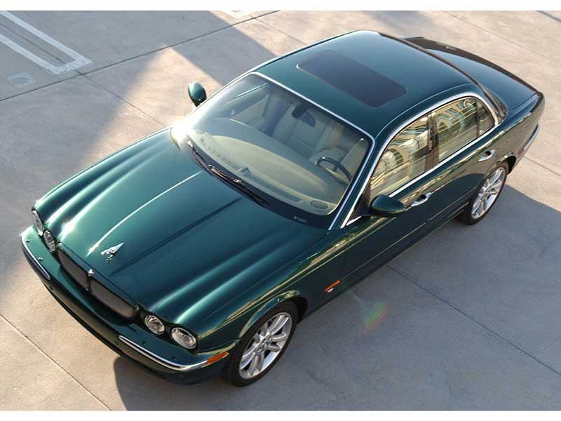 Jaguar-XJ.jpg