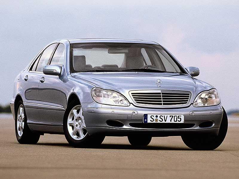 S-Class-W220-2.jpg