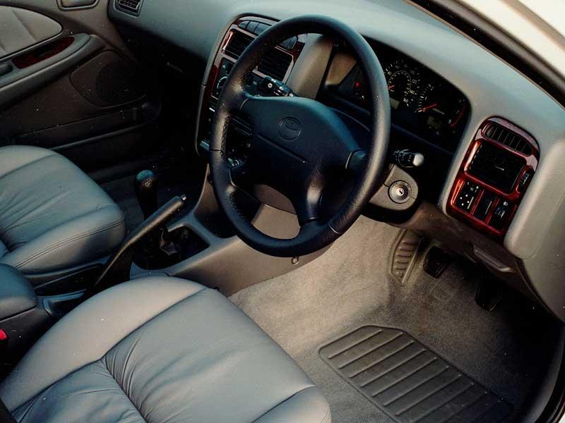 Toyota-Avensis-3.jpg