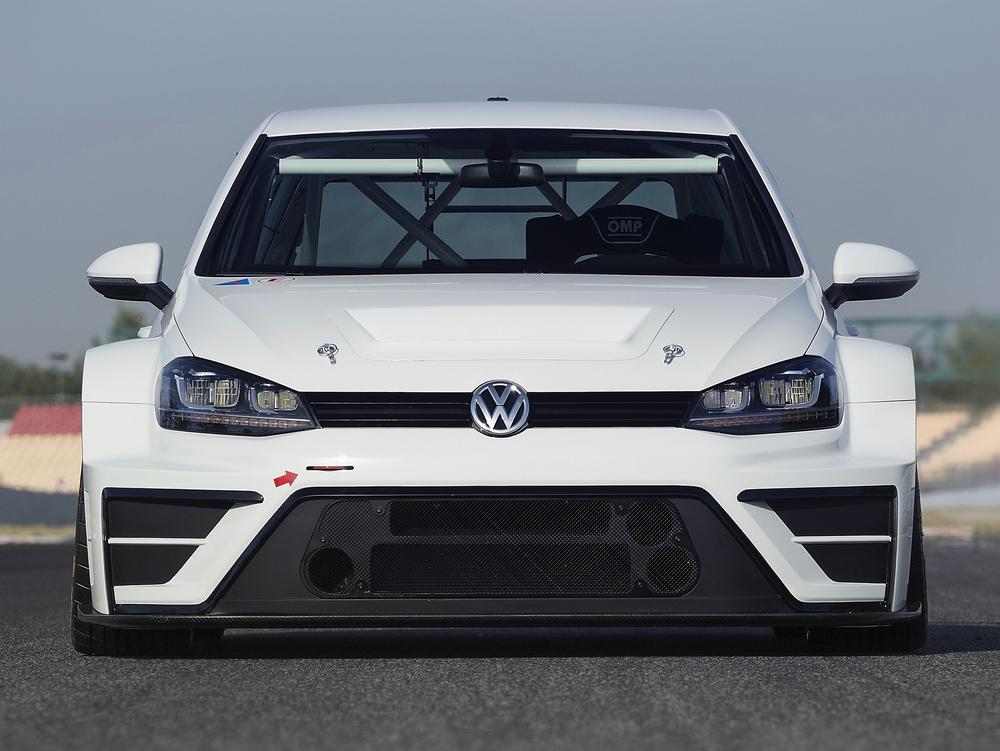Volkswagen develops Golf for the racetrack