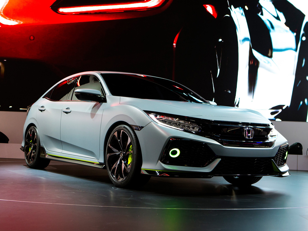 71932_Civic_Hatchback_Prototype_at_Geneva_Motor_Show_2016.jpg