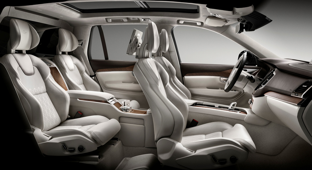 161229_Volvo_XC90_Excellence_interior.jpg